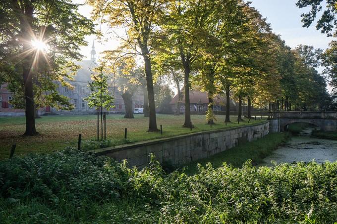 4 Klosterfront mit Morgensonne