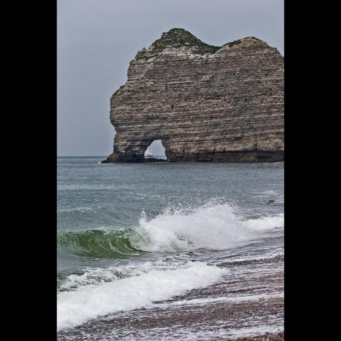 Etretat - Felsen mit unruhiger See